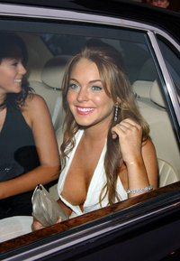lindsay_lohan_after_car